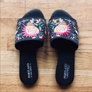 Shoes - Floral slide sandals
